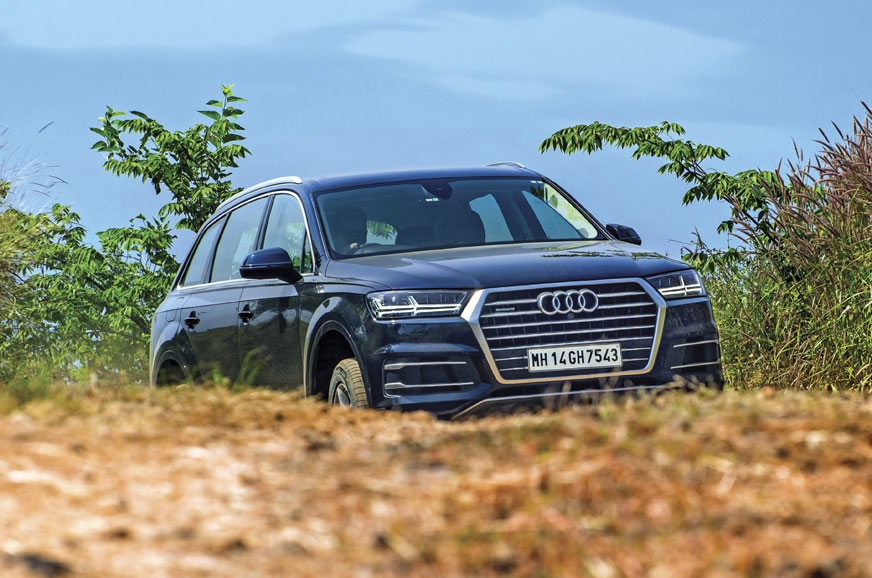 The Audi Q7's standard air suspension delivers a supremel...