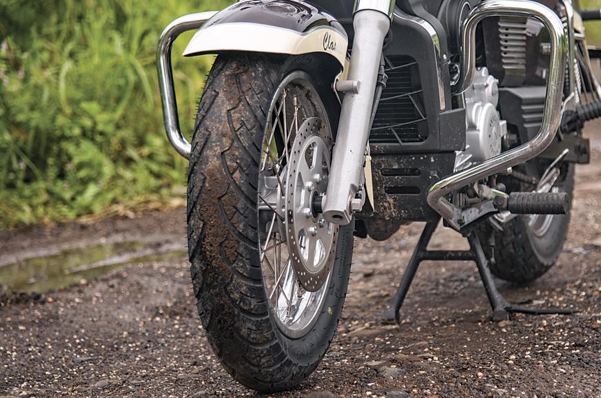 The TVS ATT tyres provide good levels of grip.