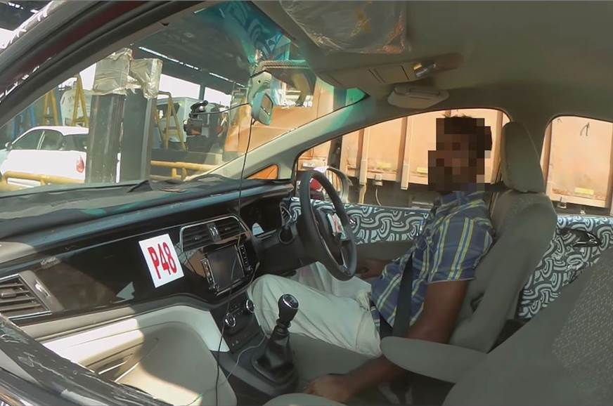 Mahindra U321 MPV's interior is likely to get a simple ye...