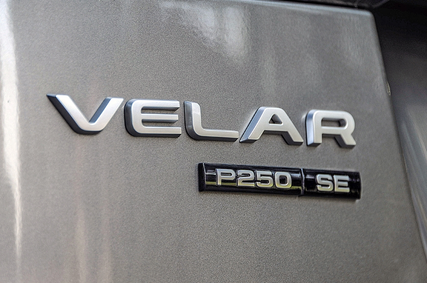 P250 tells you this is a 250hp petrol engine-powered Velar.
