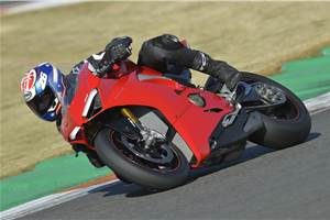 2018 Ducati Panigale V4 S review, test ride