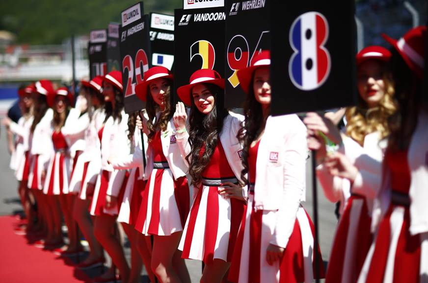 F1 axes practice of using grid girls