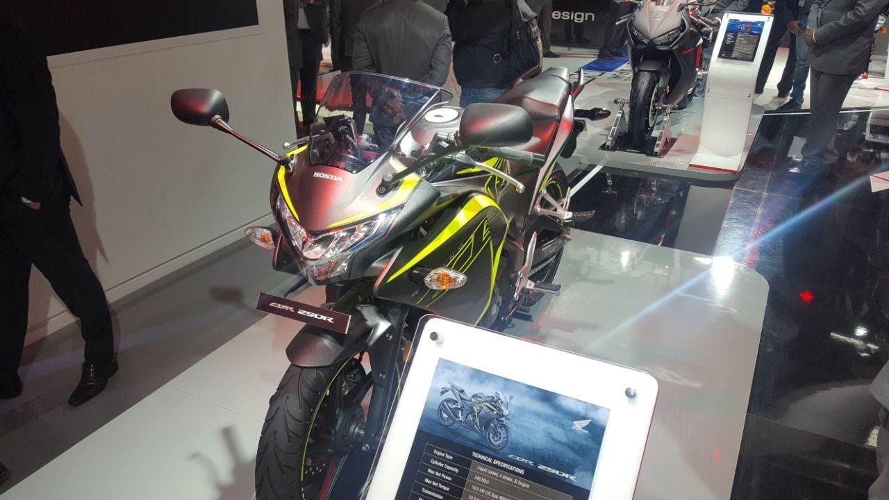 2018 Honda CBR 250R showcased at Auto Expo 2018