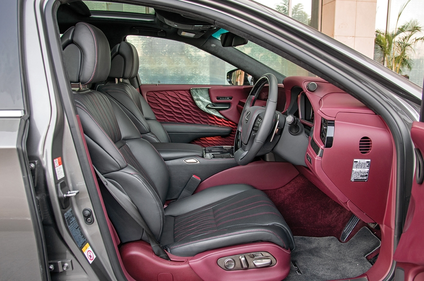 Front seats are cooled and get a massage function as well...