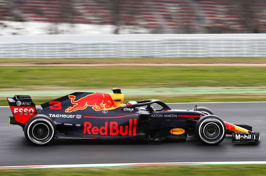 2018 F1 testing: Ricciardo tops timesheets on Day 1