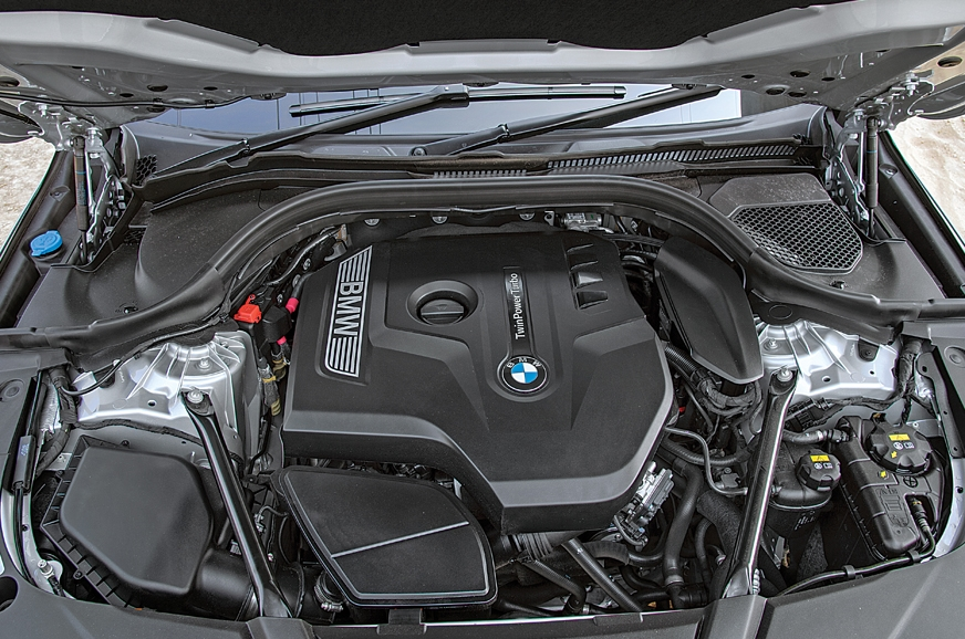258hp and 400Nm feel adequate in the big 6-series GT.