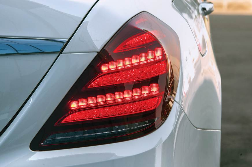 Crystal effect on tail-lights are eye-catching.