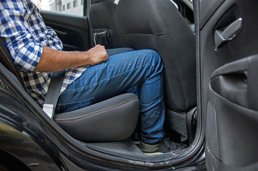KNEE-D TO KNOW: Tall drivers take up all the legroom, lea...