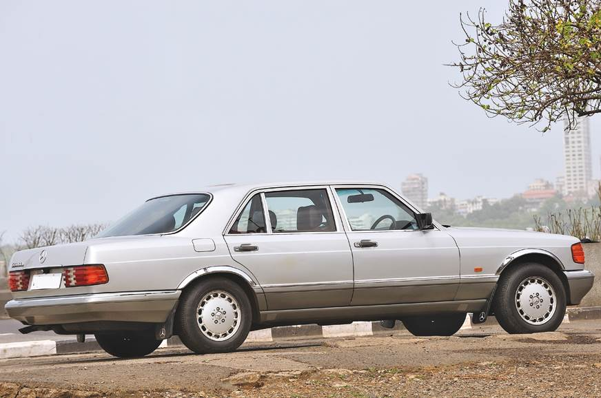 Many W126 Mercs are still used on a regular basis in Mumbai.