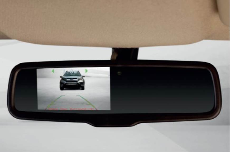 The view from the rear camera is displayed on the IRVM.