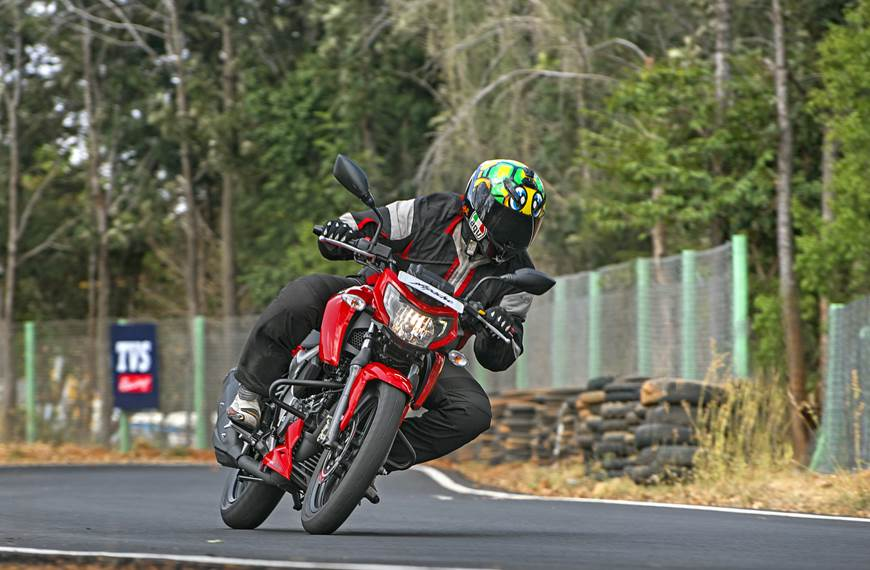 2018 TVS Apache RTR 160 4V review, test ride