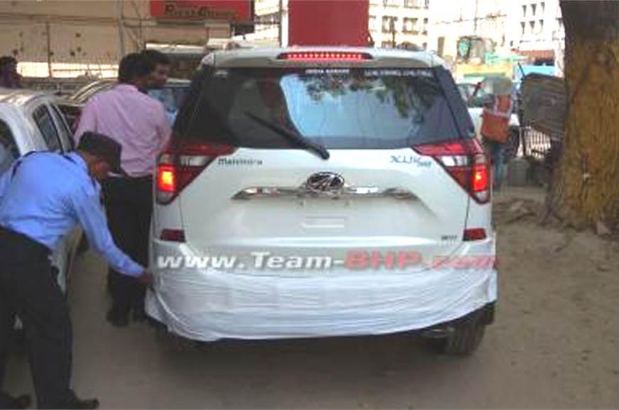 Mahindra XUV500 facelift rear.