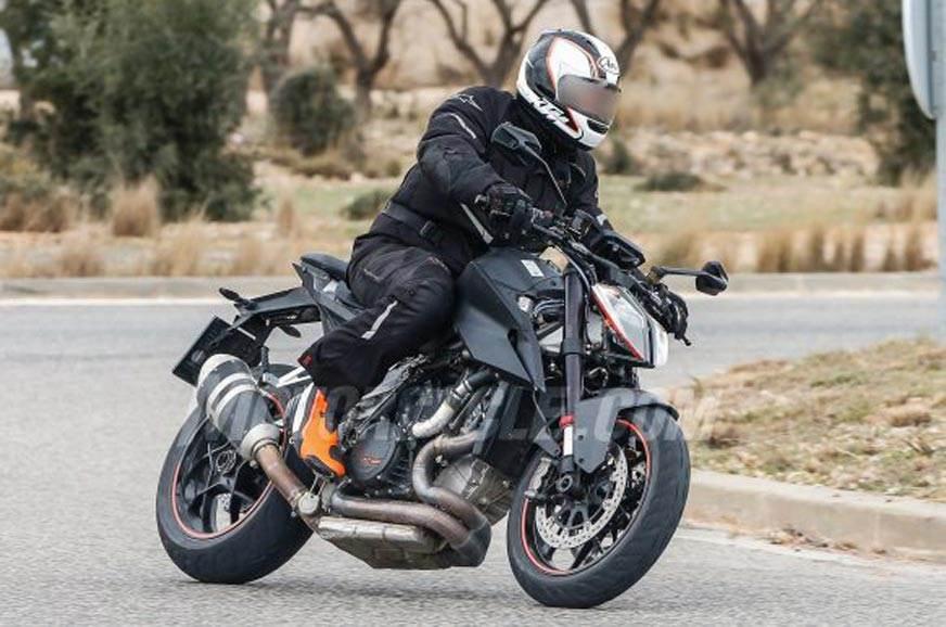 2019 KTM 1290 Super Duke R spotted testing