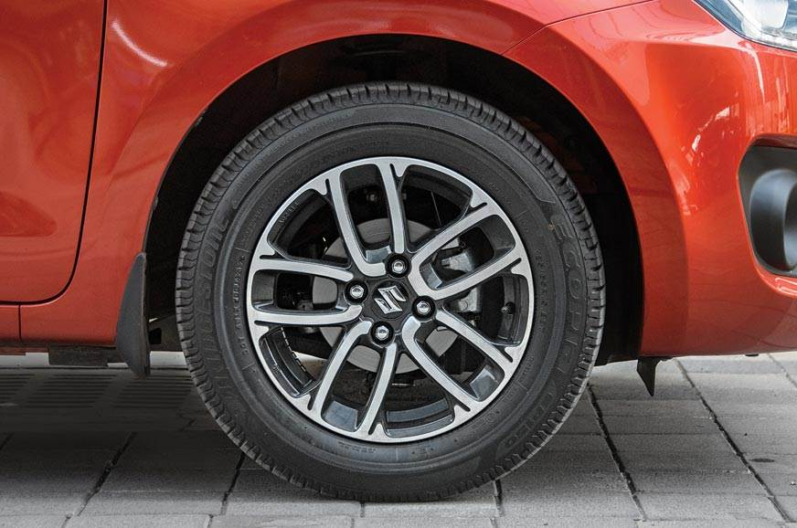 Tall 65-profile tyres make the 15-inch rims look smaller ...