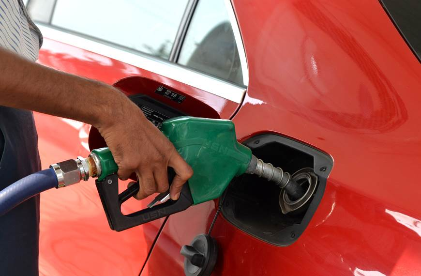 Rising fuel prices may dampen auto sales this year