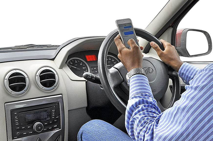 Survey: 60 percent of Indians use cell phones while driving