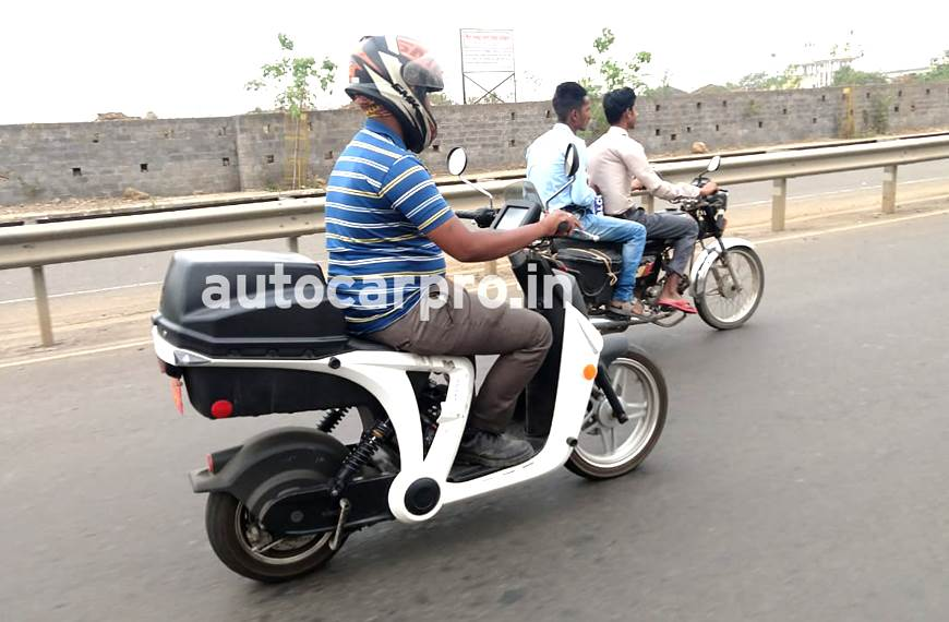 Mahindra GenZe spied in India