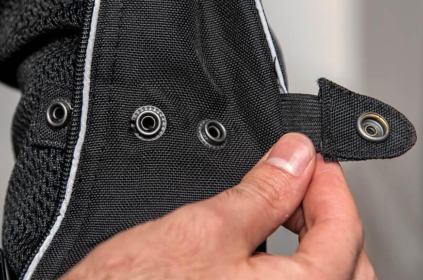 Adjustable sleeves.