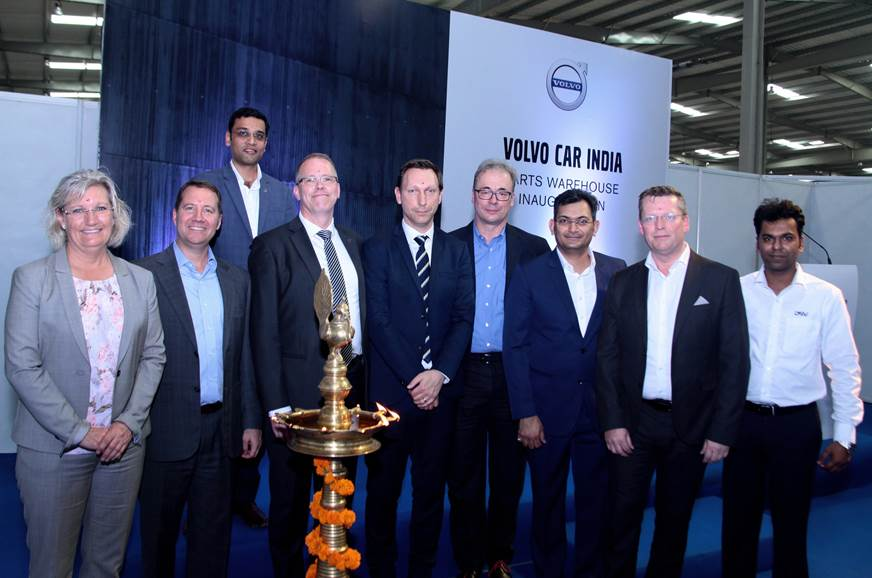 Charles Frump, Volvo Car India MD (2nd from left) and Martin Persson, VP-Global Customer Service, Volvo Car Group (3rd from left).