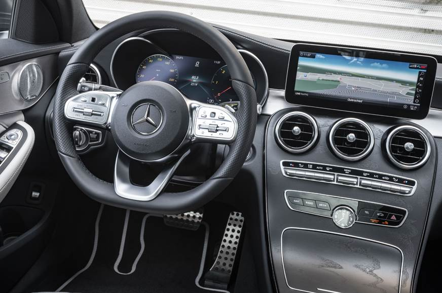 The insides of the facelift C-class.