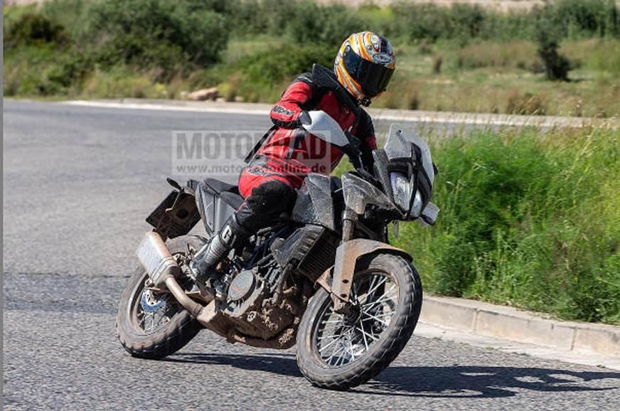 KTM 390 Adventure - new spy shot emerges