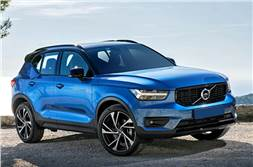 Volvo XC40 Momentum, Inscription launched