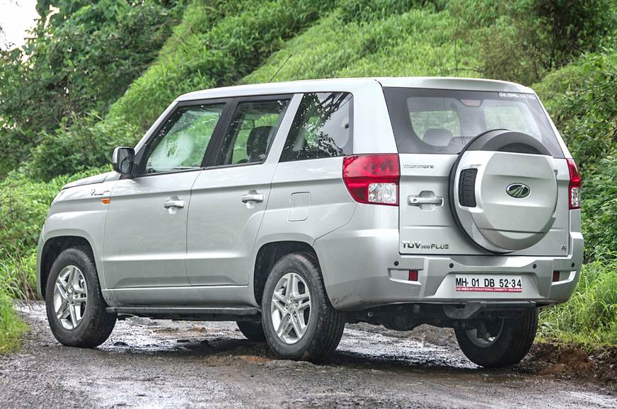 Has the right proportions and presence of a full-size SUV.