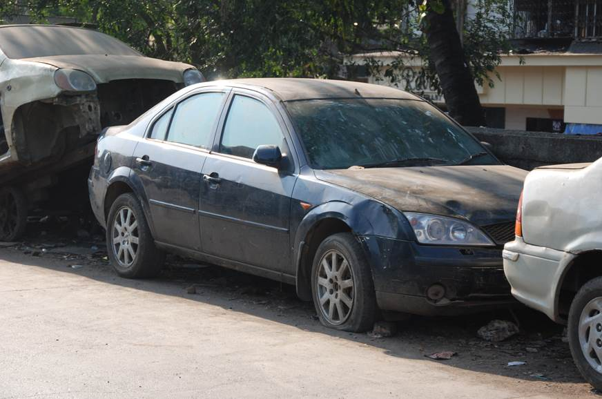Bombay High Court: State gov, BMC should act on abandoned vehicles