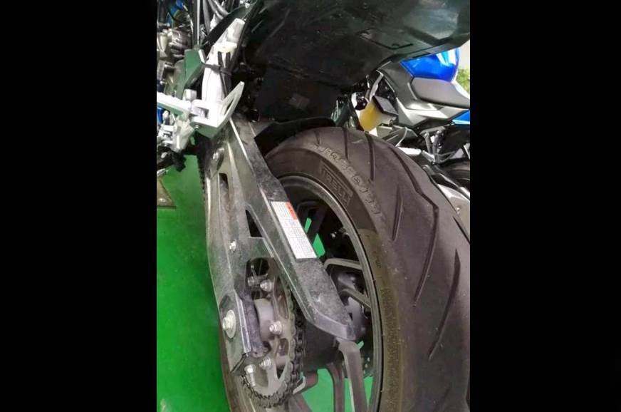 The swingarm and rear tyre on the GSX-S300.