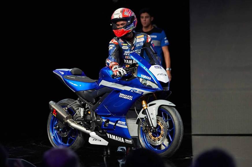 2018 EICMA: Yamaha YZF-R3 GYTR race bike showcased