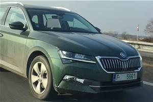 Skoda Superb facelift begins testing