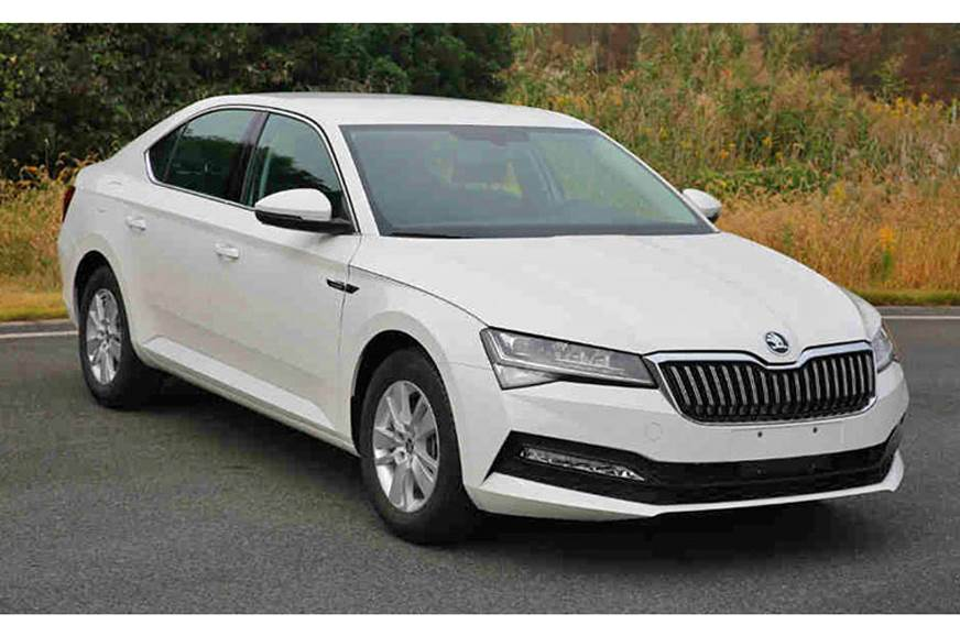 Skoda Superb facelift leaked