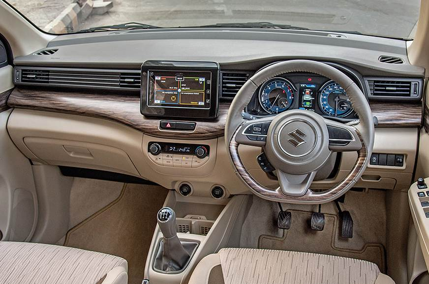 Artificial wood trim, Audi Q7-like air vents and a beige ...