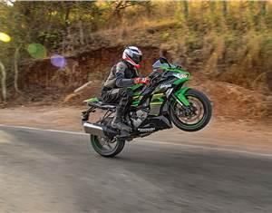 2019 Kawasaki Ninja ZX-6R review, test ride