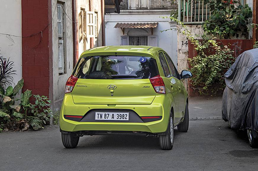 Navigating narrow lanes is easy thanks to the Santro's co...