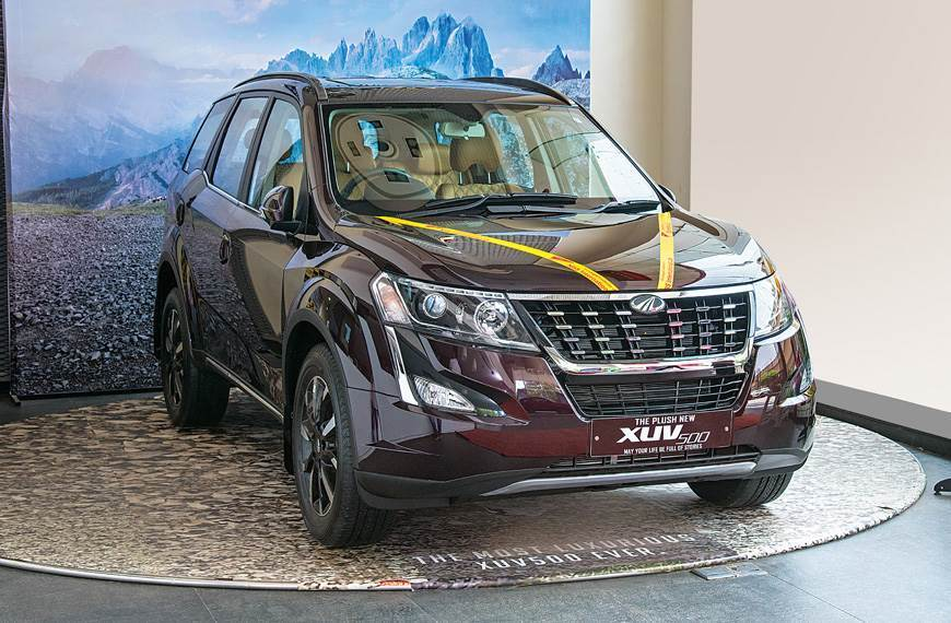Save up to Rs 27,500 on the Mahindra XUV500 this month.