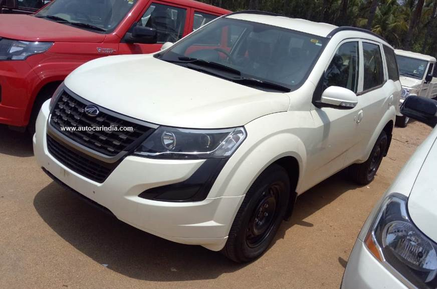 Entry-level Mahindra XUV500 W3 priced at Rs 12.22 lakh