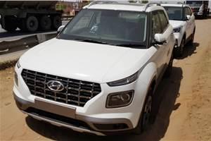 Hyundai Venue begins reaching dealers