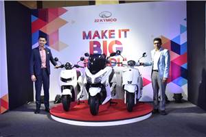 22 KYMCO iFlow, Like 200 and X-Town 300i scooters revealed