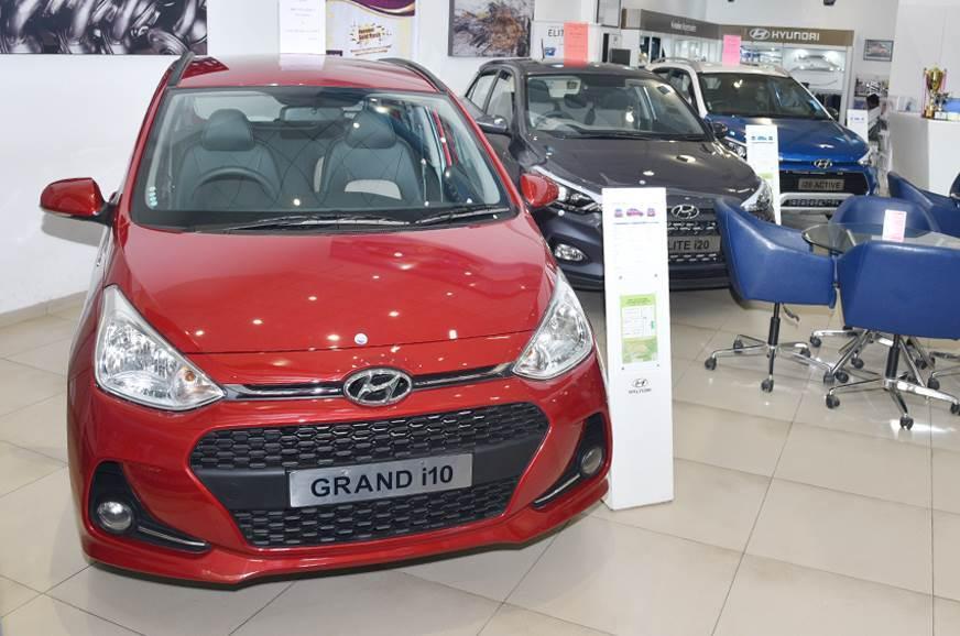 Attractive discounts on Hyundai Verna, Grand i10, Xcent, ...