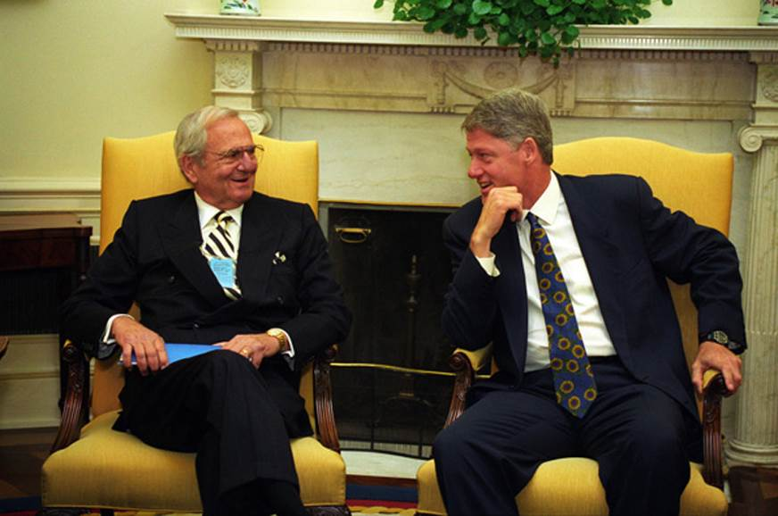 Lee Iacocca with ex-US President Bill Clinton in 1993.