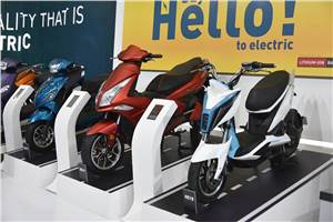 20 percent electric two-wheeler dealers close shop