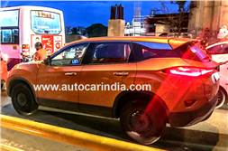 Tata Harrier automatic with sunroof spied