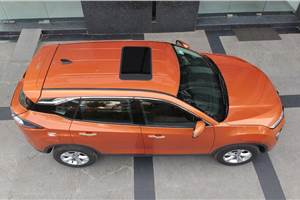 Tata introduces sunroof for Harrier as an official accessory
