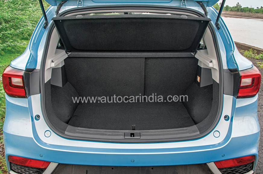 448-litre boot is nice and wide, easy to load.