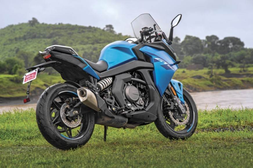 The GT is a large motorcycle, but the proportions are jus...