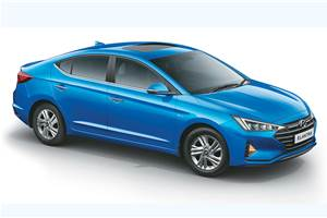 Hyundai Elantra facelift launched at Rs 15.89 lakh