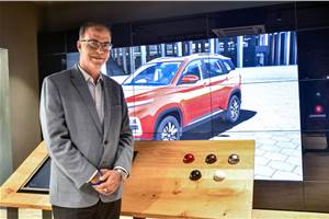MG opens its first digital showroom in India