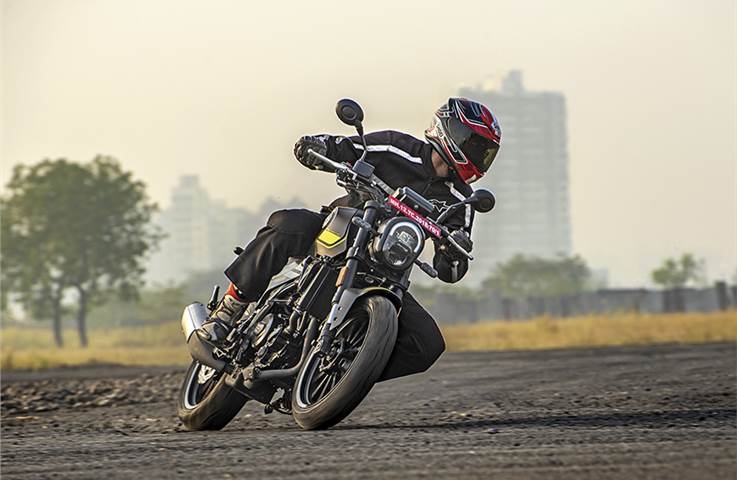 Benelli Leoncino 250 review, road test