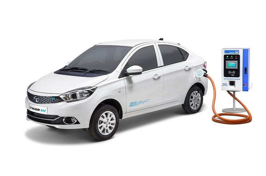 EESL opens new tender for 1,000 electric sedans with 180k...